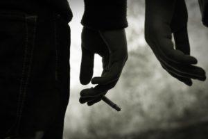 Bīstamo rezultāti patēriņš tīra nikotīna